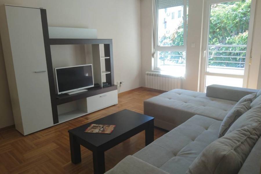 Stan , Beograd (grad) , Izdavanje | Stan 53M² Crveni Krst